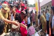 Selain Resmikan 3 Gedung SMA di Talaud Gubernur Olly Serahkan Bantuan