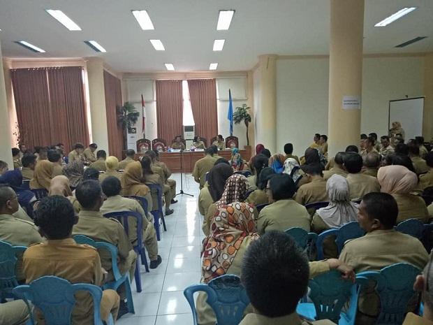 Perdana, Bupati Bolmong Gelar Rapat Dengan Pejabat Baru