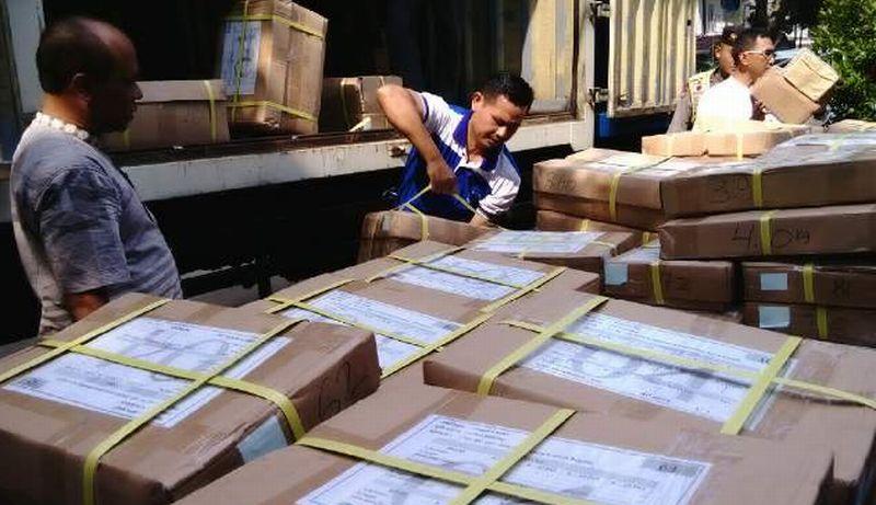 18 SMP di Kotamobagu Dapat Bantuan Buku Pengayaan UN