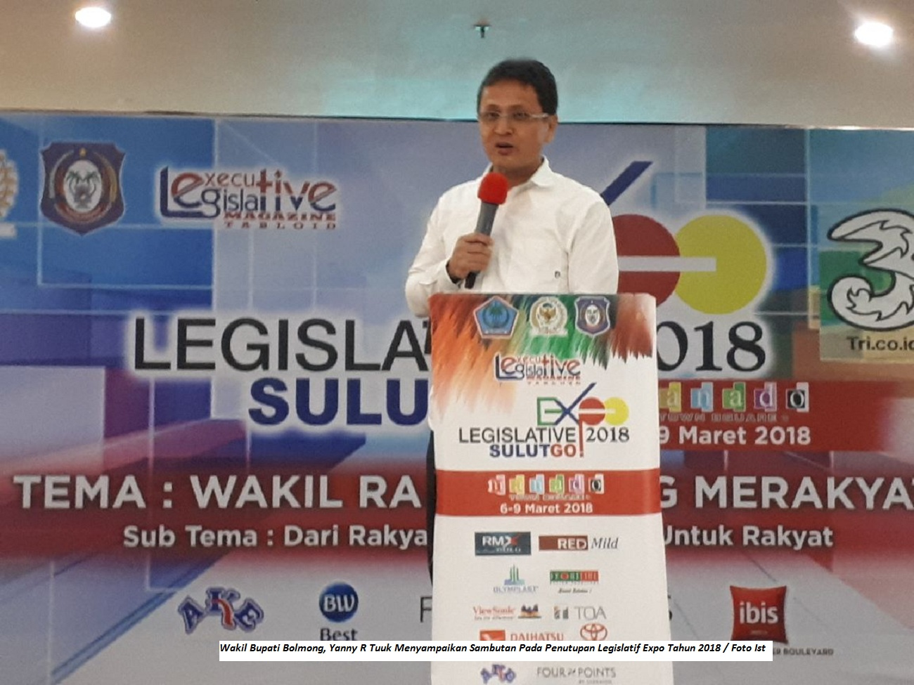 Hadiri Penutupan Legislatif Expo, Wabub Bolmong Terima Penghargaan