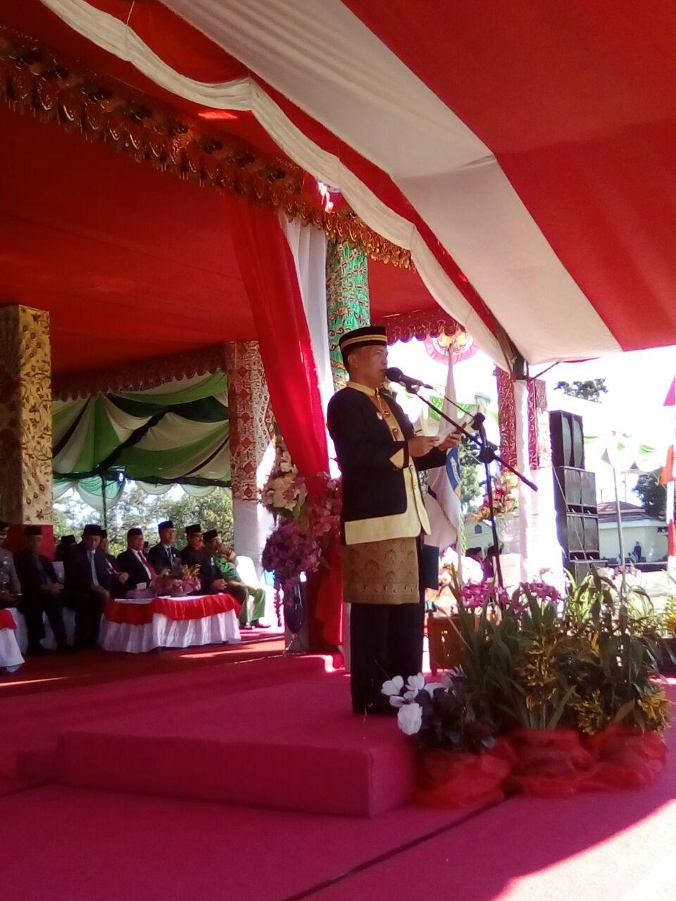 Plt Bupati Pimpin Upacara HUT ke-11 Kabupaten Bolmut