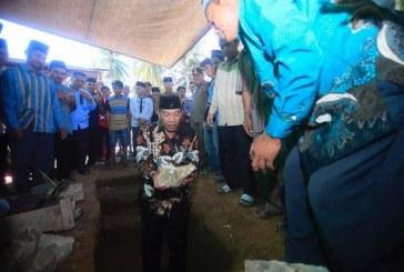 Bupati Bolmut Melakukan Peletakan Batu Pertama Pembangunan Masjid di Desa Sangkub lll