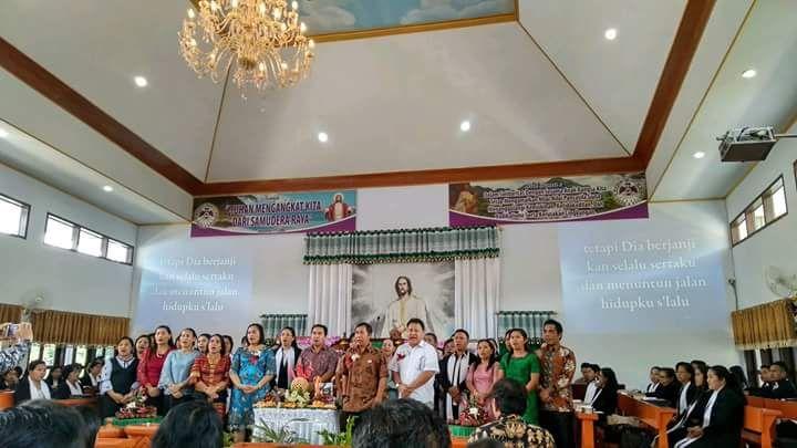 Agenda Pertama Pasca Cuti, Sumendap Bersyukur Bersama Jemaat Elim Pangu
