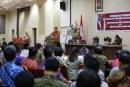 Wagub Kandouw Hadiri Penyerahan Lulusan IPDN