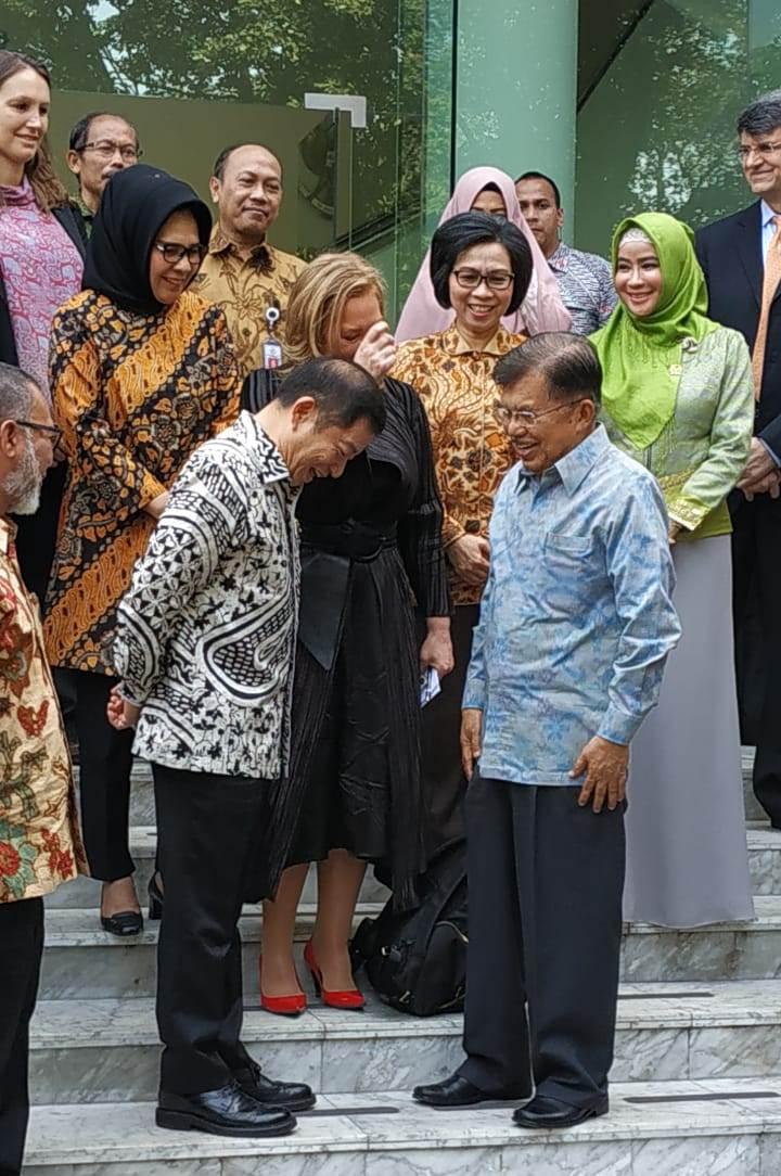 Tatong Dan Yasti, Satu Satunya Walikota Dan Bupati Hadir Dalam Lokakarya Di Istana Negara