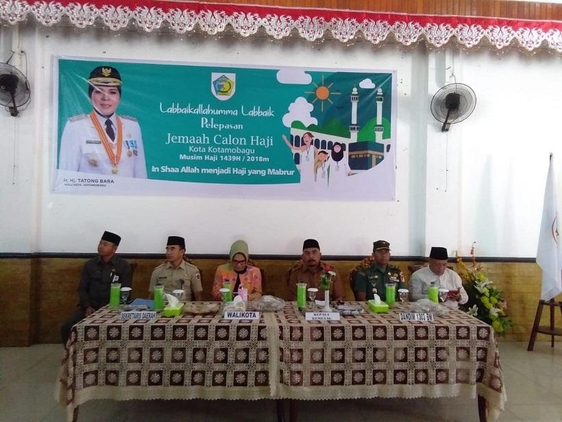 Walikota Lepas 131 CJH Asal Kotamobagu