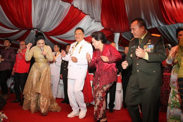 Keceriaan OD-SK dan Masyarakat Larut dalam Tos Kenegaraan dan Pesta Rakyat