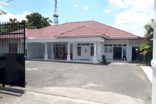 Jelang Kedatangan Penghuni Baru, Bagian Umum Bersihkan Rumah Wakil Walikota