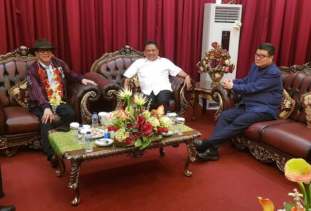 Gubernur Olly Dondokambey Sambut Kedatangan Menkumham RI Yasonna Laoly