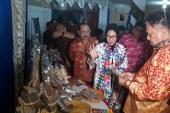 Tatong Paparkan Produk Kotamobagu Dihadapan Gubernur Sulut