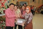 Tatong Terima DIPA Dari Gubernur Sulut
