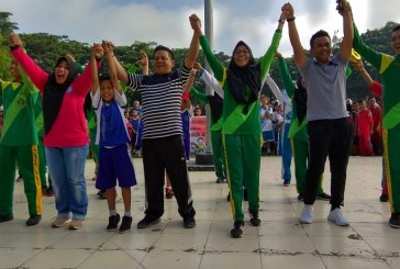 Sambut Peringatan Hari Ibu Ke 90,Pemkot Kotamobagu Gelar Jalan Sehat dan Deklarasi SRA
