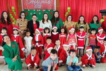 """Wakil Ketua TP-PKK Martina Dondokambey-Lengkong Ibadah Natal bersama TK dan Kelompok Bermain """"Upus Ni Mama"""""""