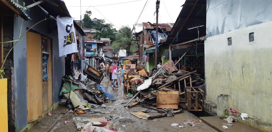 Bergerak Cepat, Pemprov Salurkan 7.082 Paket untuk Korban Bencana Manado