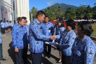 Wakil Bupati Jocke Legi Pimpin Apel Korpri Pemkab Mitra