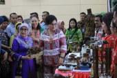 Hadir Langsung di Sulut, Isteri Wakil Presiden RI Mufidah Jusuf Kalla Dorong Dekranasda Sulut Terus Berinovasi