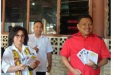 Gubernur Olly Dondokambey bersama Isteri Coblos di TPS 1
