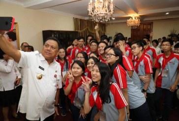Gubernur Olly Beri Motivasi Tim OSN SMA Sulut