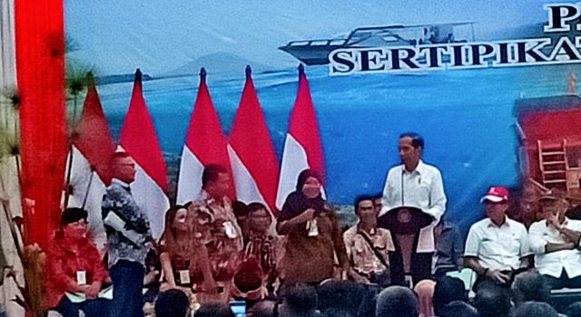 Jokowi Harapkan Masyarakat Penerima Sertifikat Tanah di Sulut Dimanfaatkan dengan Baik