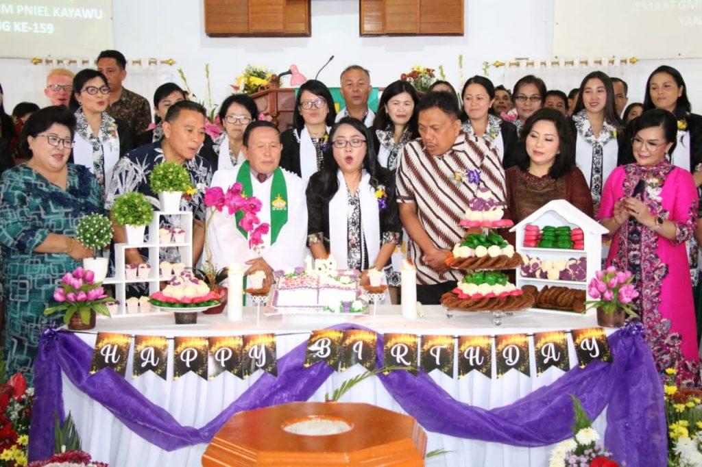 Ini Pesan Gubernur Olly di Ibadah Syukur HUT ke-159 Jemaat GMIM Pniel Kayawu Kota Tomohon