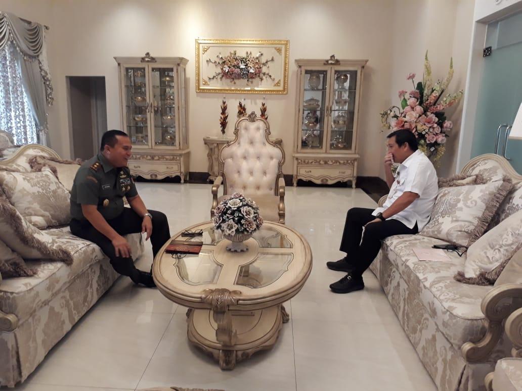 Pangdam XIII/Merdeka Aritonang Temui Wagub Kandouw Bahas Pengamanan Daerah