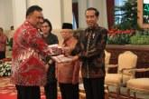 Hadir di Istana Negara, Gubernur Olly Terima DIPA 2020 dari Presiden Jokowi