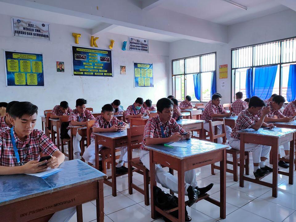 SMK Yadika Manado Kembali Gelar Ujian Semester Berbasis Smartphone