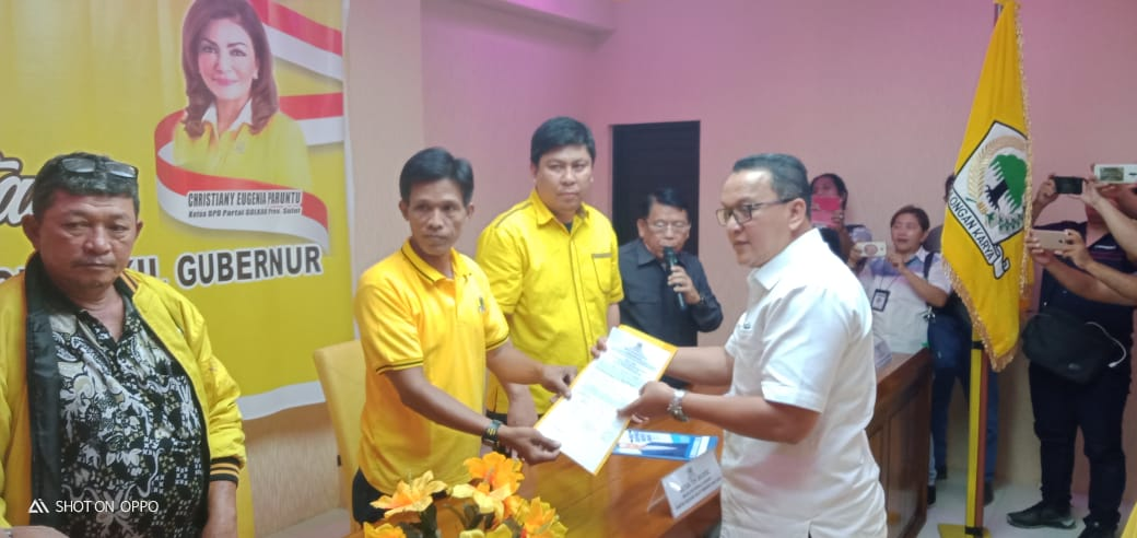 Ayub Albugis Daftar Calon Wakil Walikota Manado di Partai Golkar