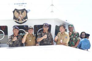 Wagub Kandouw Bersama Menteri Kelautan & Perikanan Saksikan Simulasi Pelumpuhan Kapal Illegal Fishing
