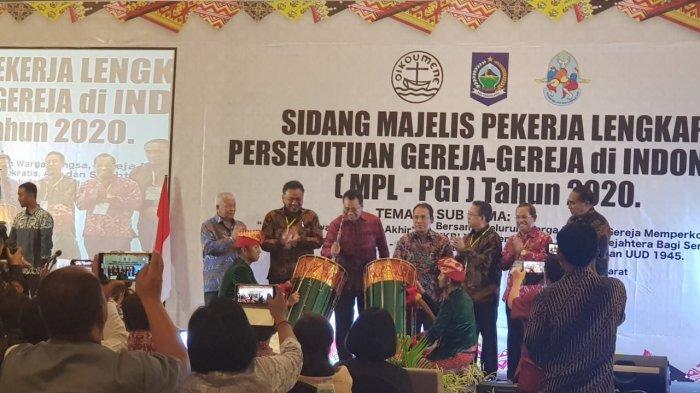 Gubernur Olly Ikut Pimpin Sidang sebagai Ketua Unsur Non PendetaSidang MPL PGI NTB