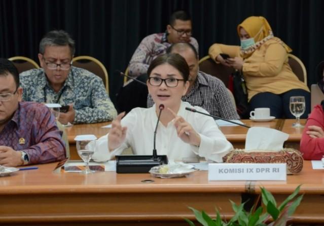 Ketua Komisi IX DPR RI Felly Desak Jokowi Alihkan Anggaran Pembangunan Infrastruktur untuk Penanganan Covid-19